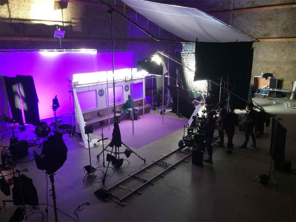 Fabrication de décors pour des pubs TV et web